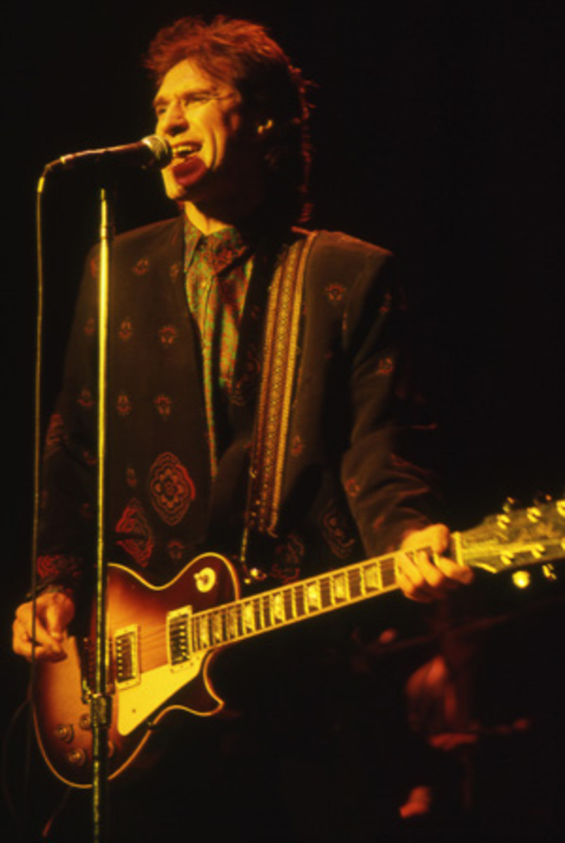 Ray Davies, March 1987, performing with the Kinks. Photo Bob Leafe/ Frank White Photo Agency