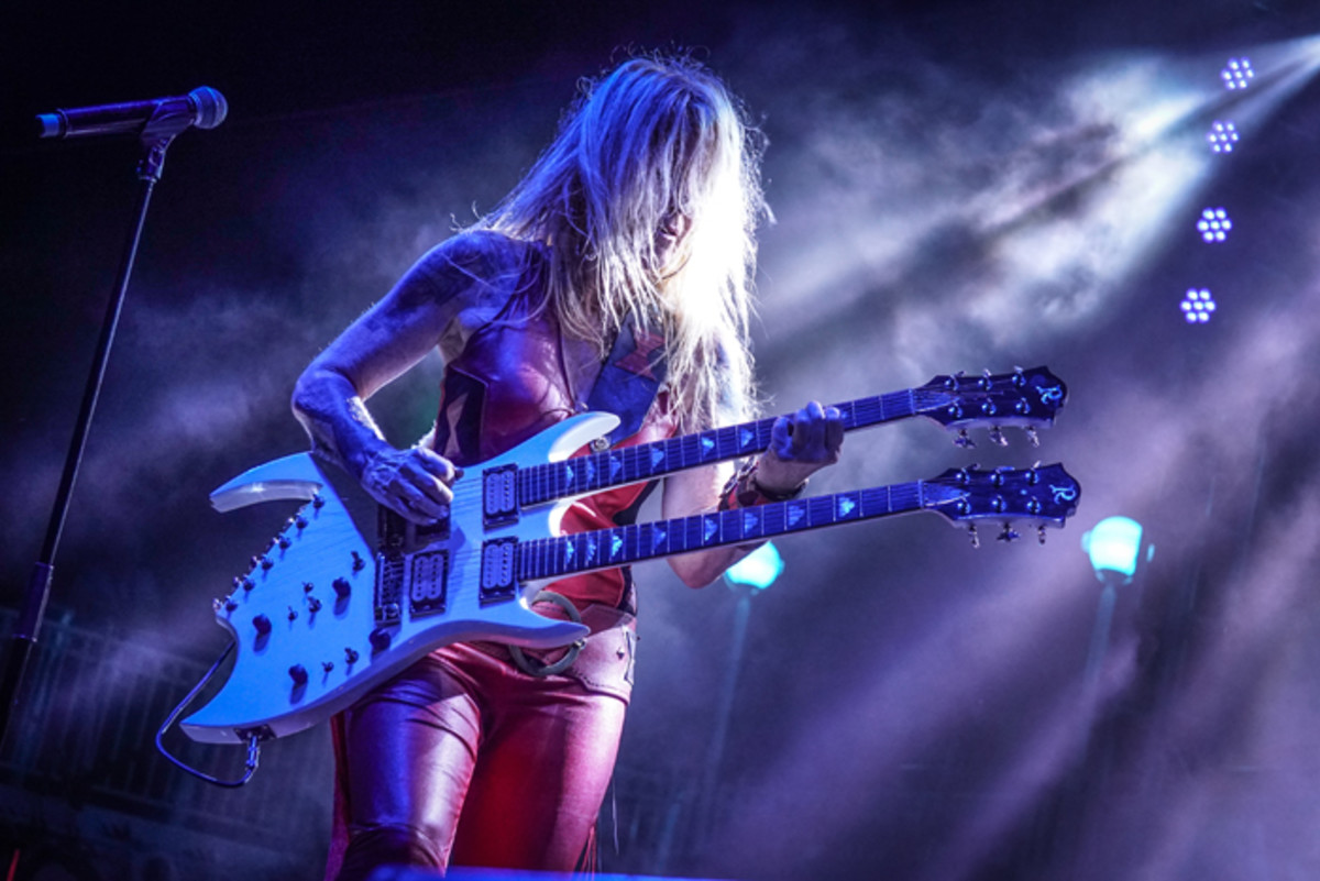 lita-ford-kiss-kruise-2