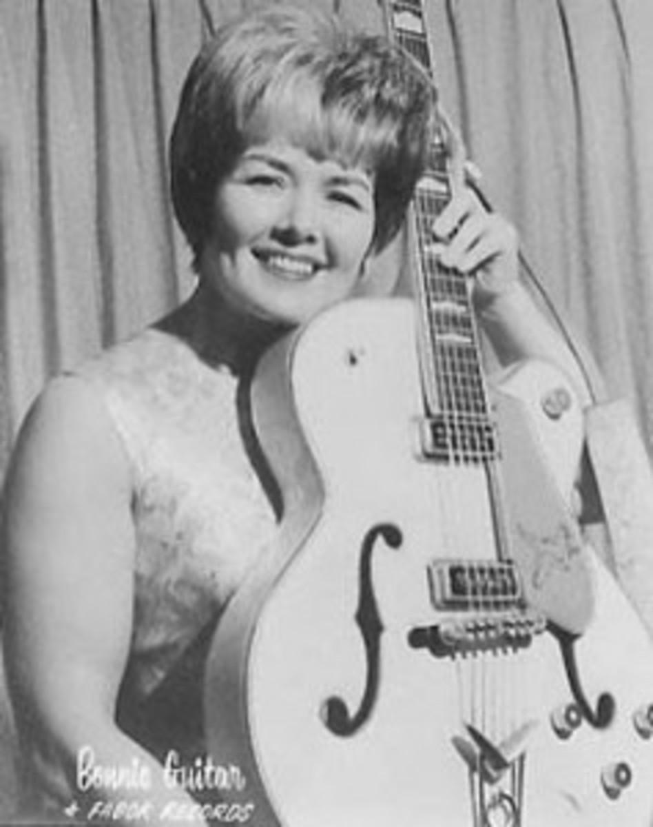 Bonnie Guitar publicity photo