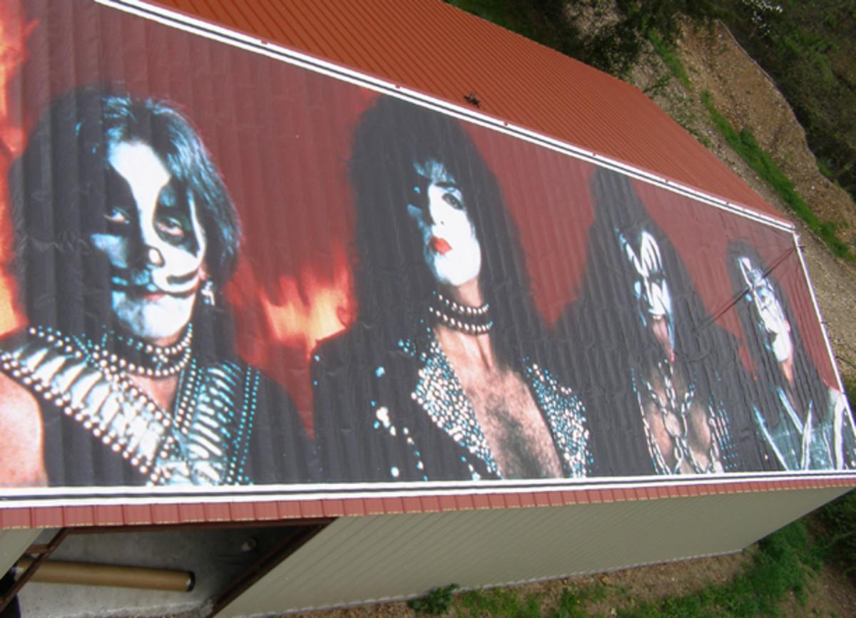KISS 1996 reunion tour banner