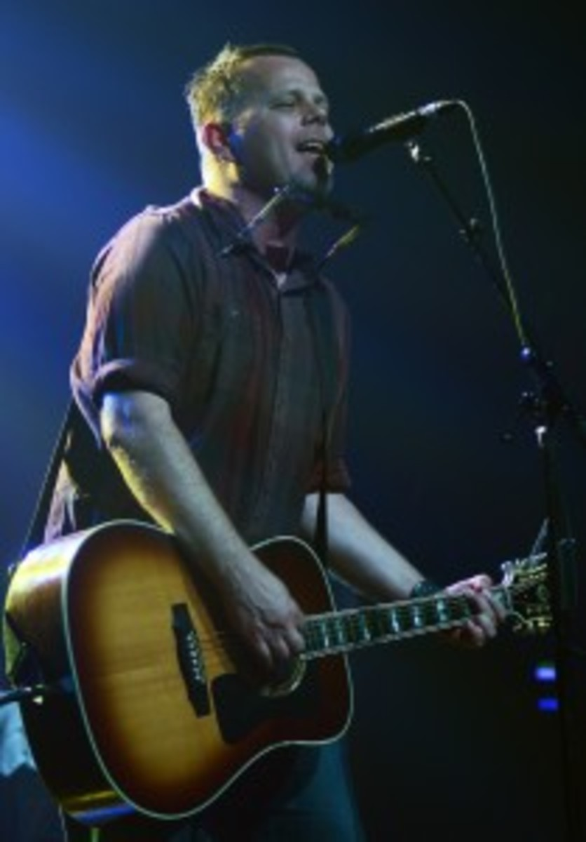 Matthew Ryan performed a solo acoustic set to open Paul Weller's Webster Hall show. (Photo by Chris M. Junior)
