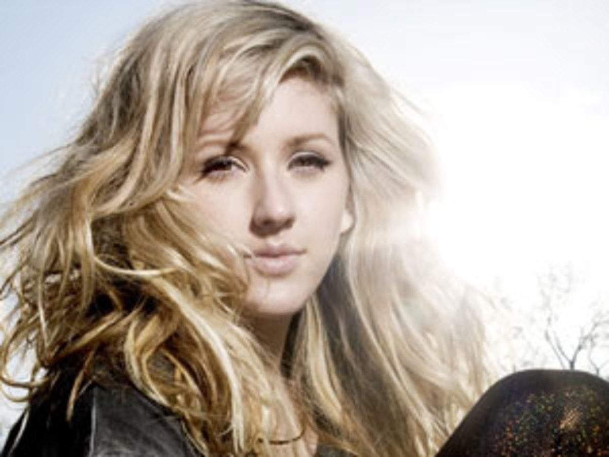 Ellie Goulding performed four live acoustic tracks for a session at XFM London.