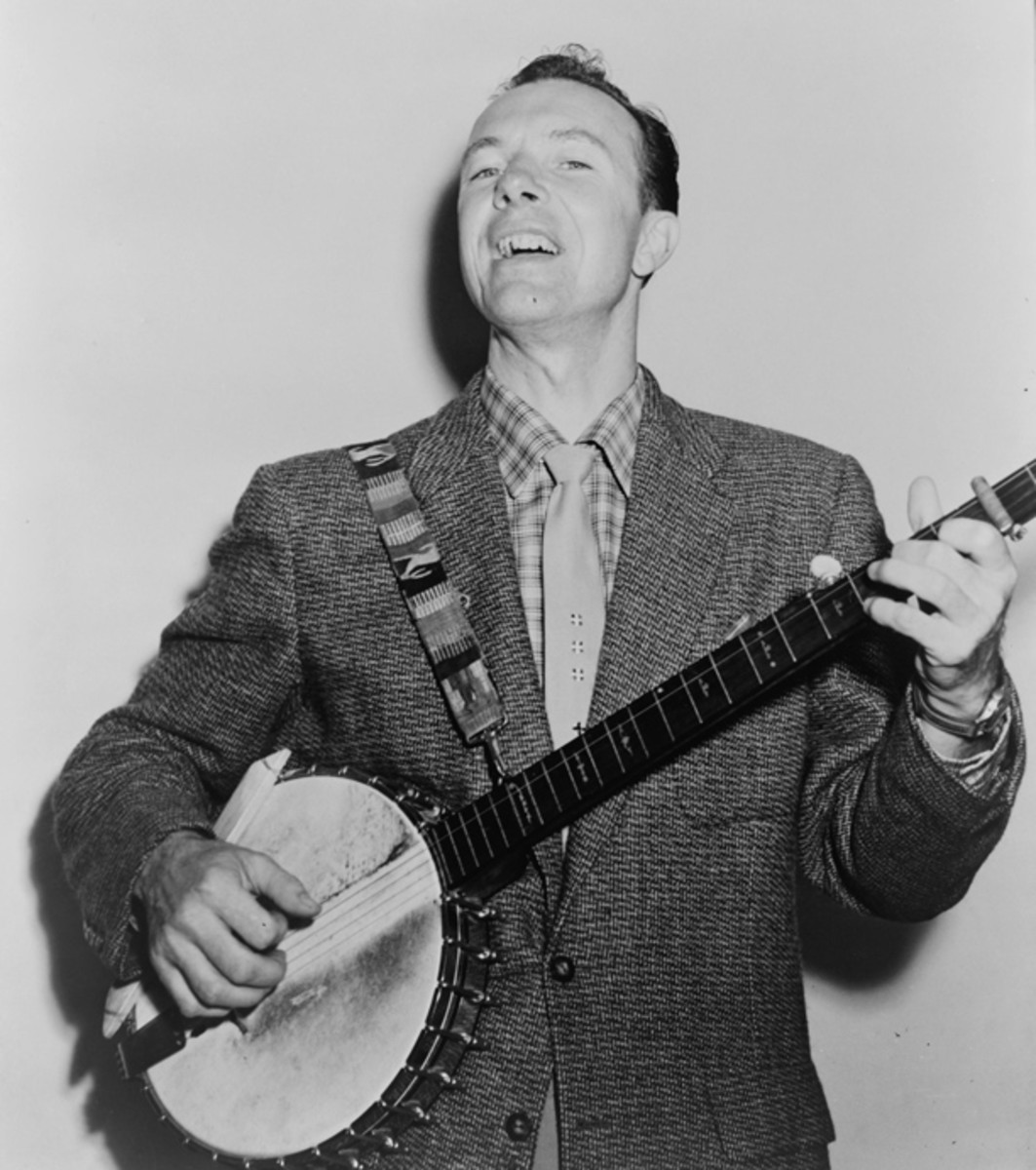 Pete Seeger in 1955. Photo courtesy Library of Congress/New York World Telegram and Sun collection.