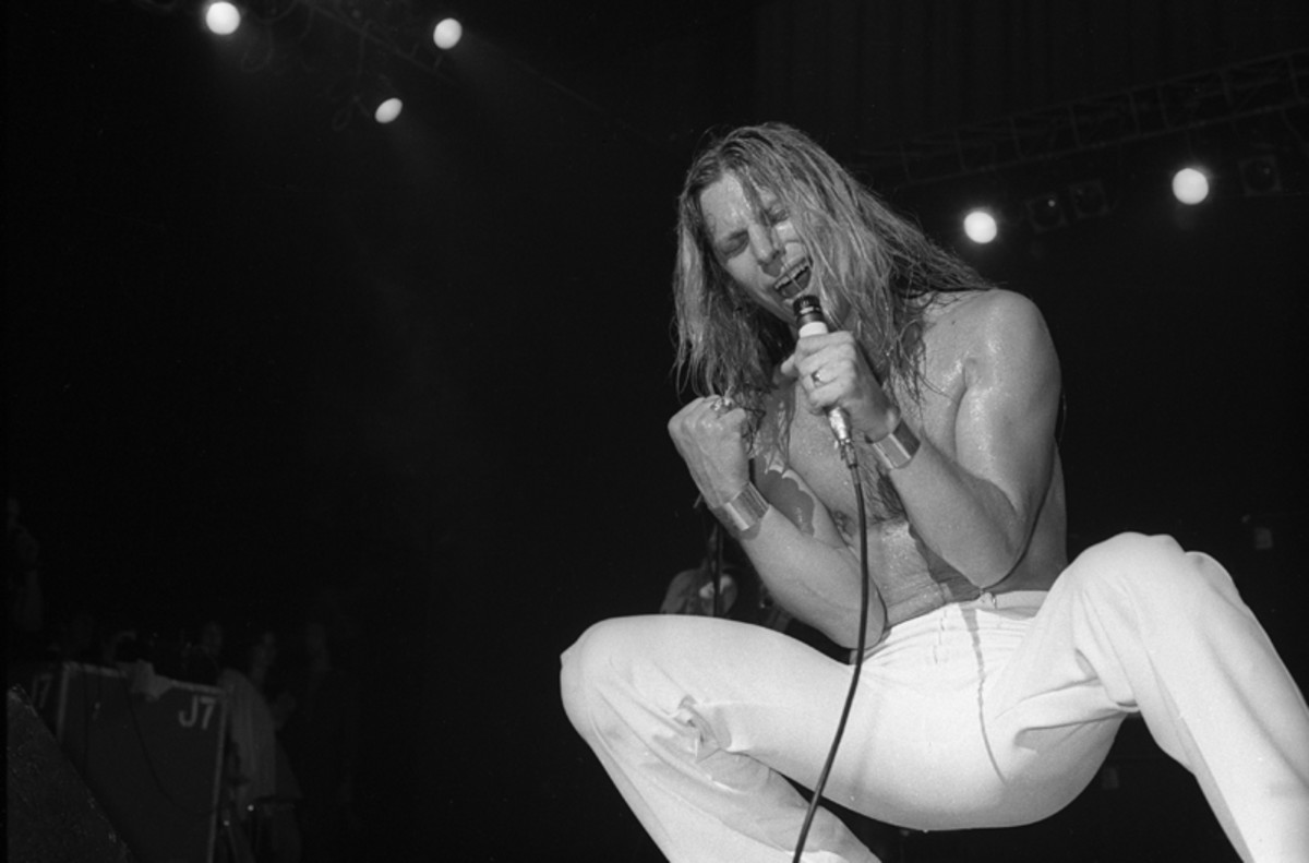 Jim Dandy of Black Oak Arkansas performs live on stage in New York in 1976 (Photo by Richard E. Aaron/Redferns)