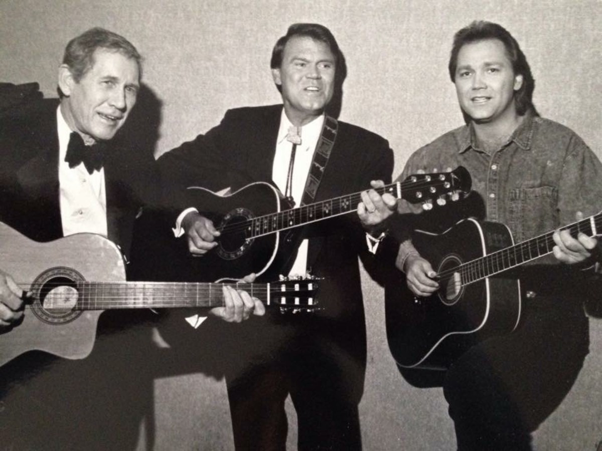 (L to R): Chet Atkins, Glen Campbell and Steve Wariner. Courtesy of 117 Ent. Group.