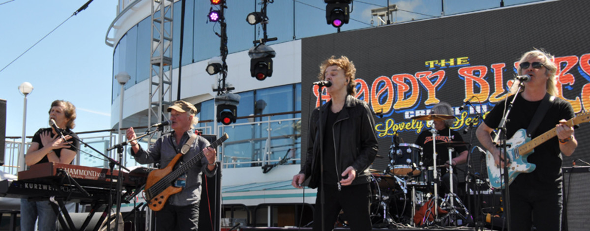 The Zombies perform live during the cruise.