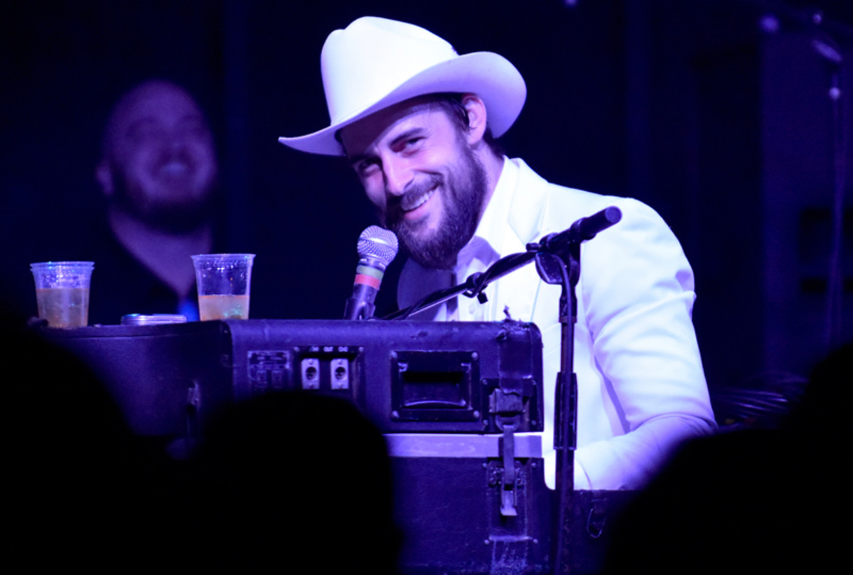 Robert Ellis smiles during his set on the Mohawk outdoor stage on March 15. (Photo by Chris M. Junior)