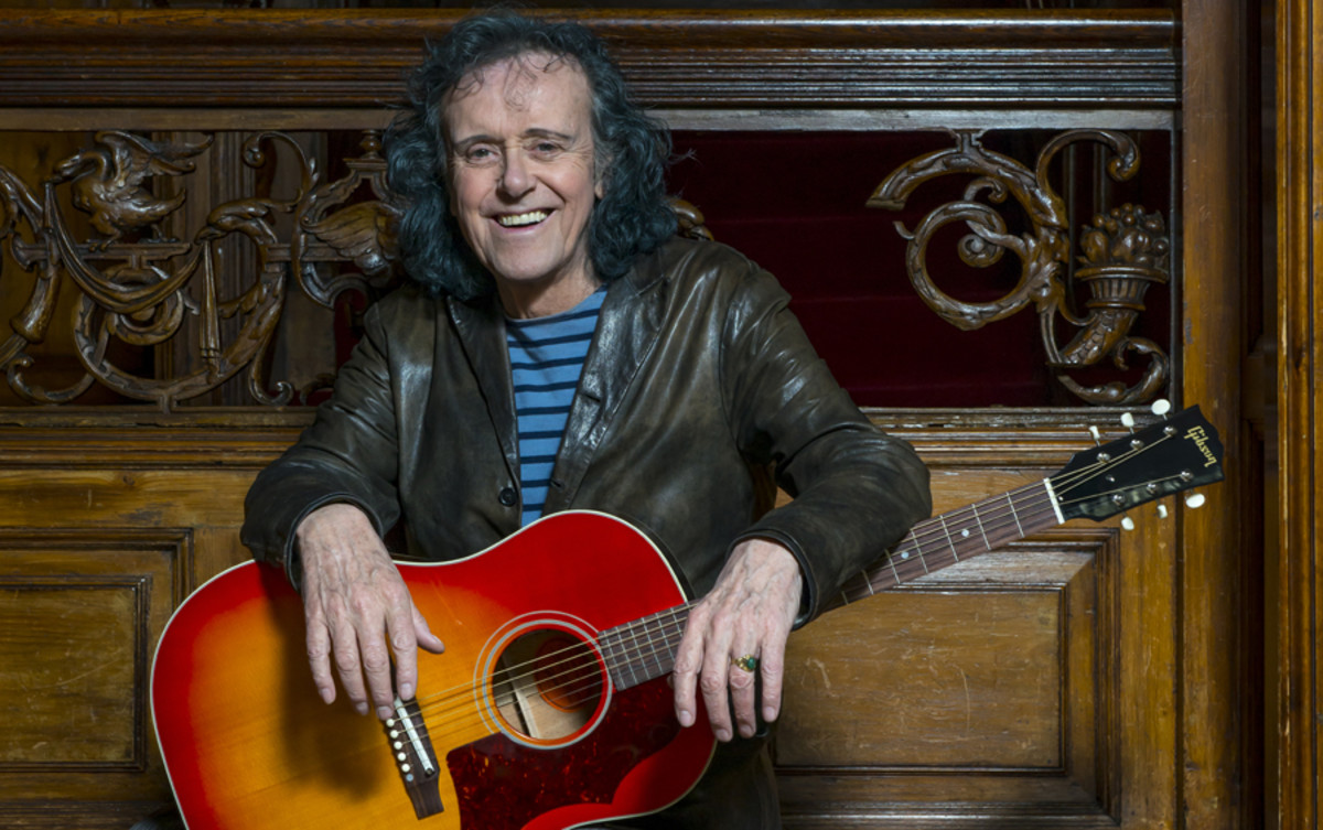 Donovan photographed with his 1965 Gibson J-45 acoustic guitar in London, 2015. (Photo by Rob Monk/Guitarist Magazine via Getty Images)