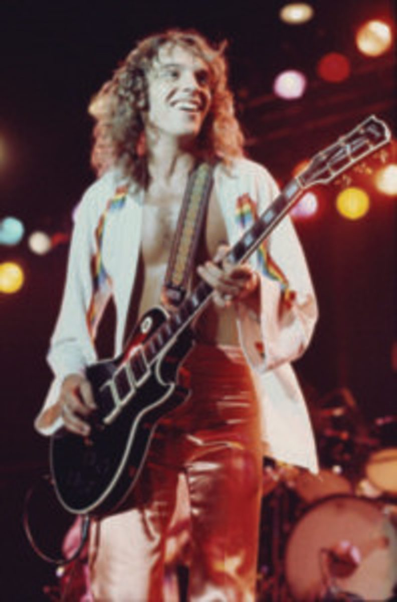 Peter Frampton performing at Belle Vue, Manchester on his 'Frampton Comes Alive' tour, October 24, 1976. (Photo by Kevin Cummins/Getty Images)