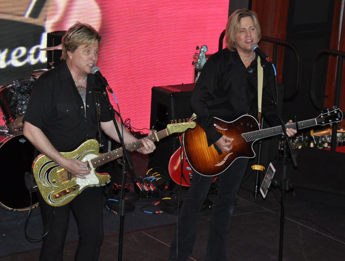 The Nelsons — Ricky Nelson's sons — performing live.