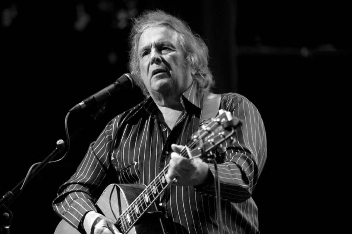 Singer-songwriter Don McLean performs onstage at The Canyon Club on November 3, 2017 in Agoura Hills, California. Photo by Scott Dudelson/Getty Images.