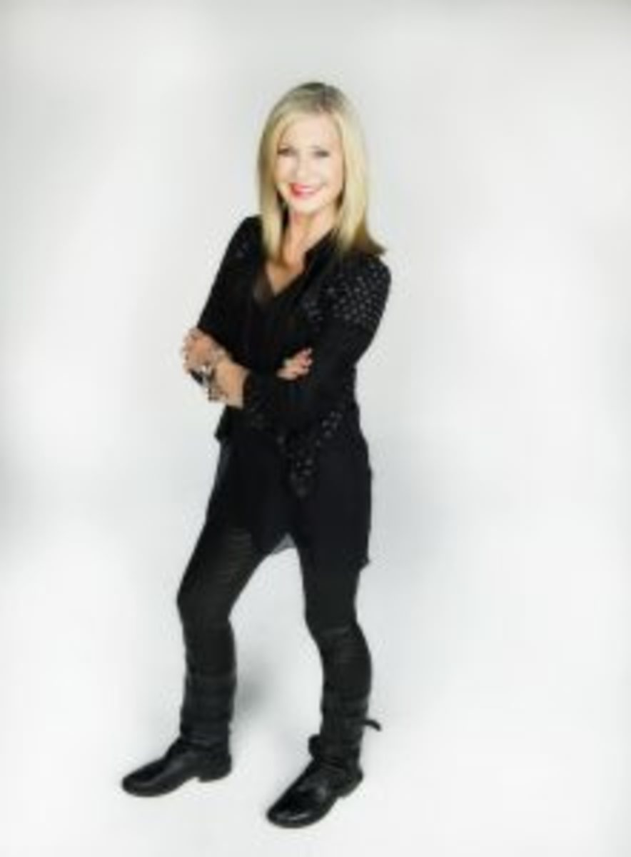 Olivia Newton John at Truscello Studio in Las Vegas, Nevada, Jan 30 2014. Photo by Denise Truscello.