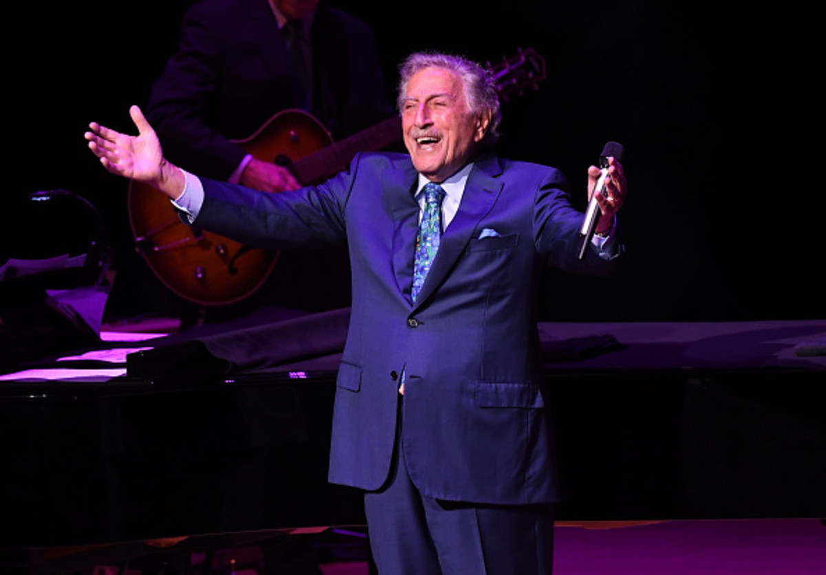 Singer Tony Bennett performing in concert. (Photo by Paras Griffin/Getty Images)