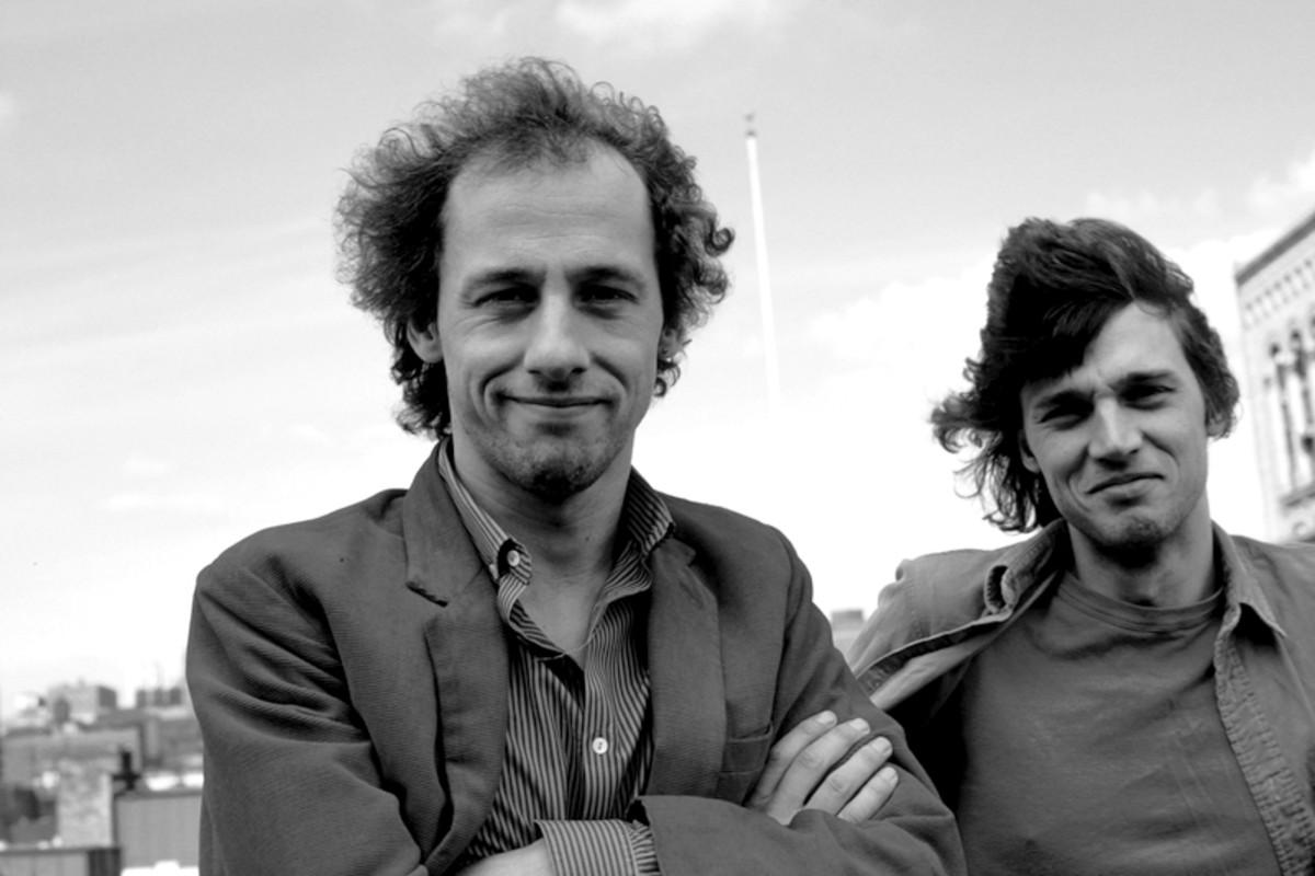 Dire Straits (L-R): Mark Knopfler, David Knopfler - posed (Photo by Ebet Roberts/Redferns)