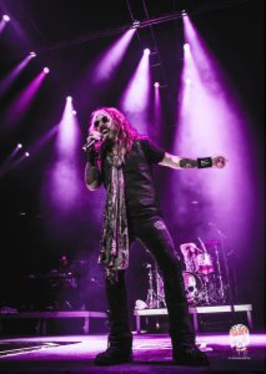 John Corabi live. Photo supplied by publicity.