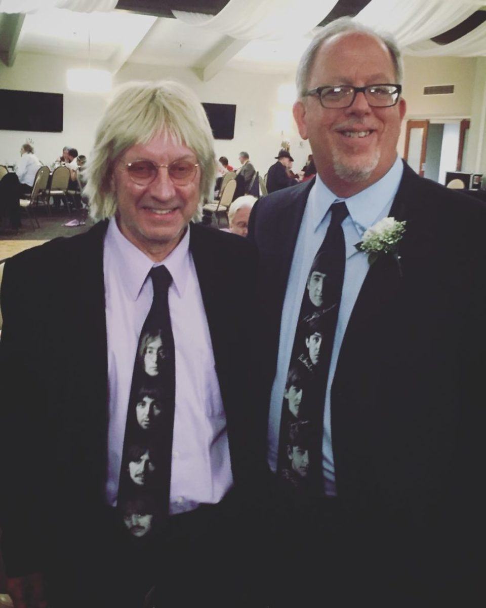 John Wicks, singer/songwriter of The Records (L) and author John M. Borack, October 2017