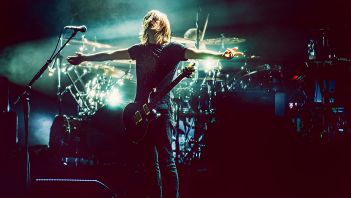 Steven Wilson welcoming audience participation. Photo by Hajo Mueller courtesy of PR.