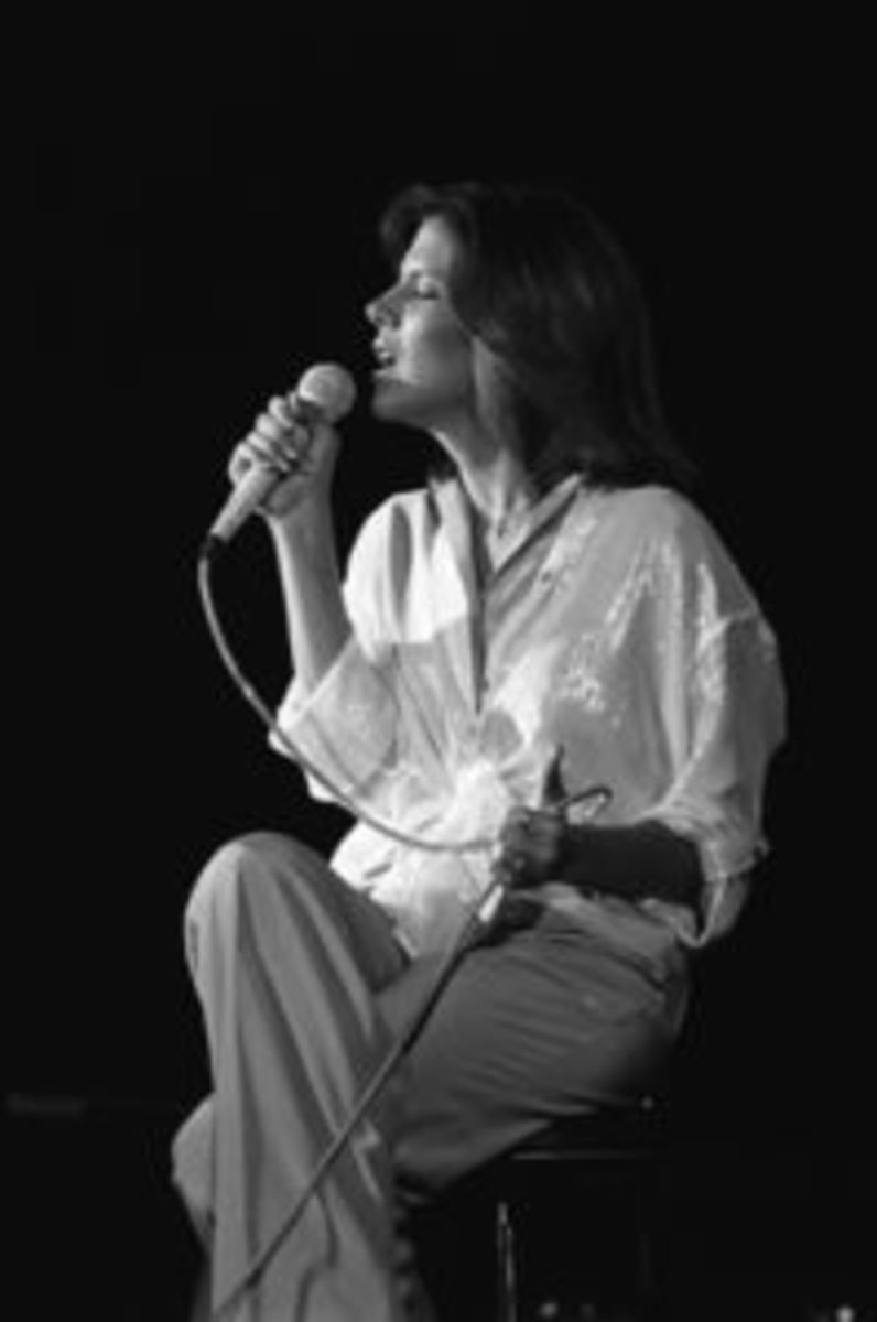 Debby Boone onstage in earlier years. Photo courtesy of DebbyBoone.com