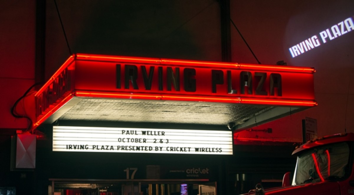 Paul Weller's two-night stand at New York City's Irving Plaza on October 2nd and 3rd was well-received by the raucous, enthusiastic crowds at the shows. (Photo by Chris M. Junior)
