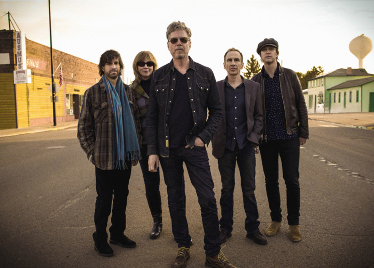 The Jayhawks (L-R): Marc Perlman, Karen Grotberg, Gary Louris,Tim O'Reagan and John Jackson. Publicity photo by Sam Erickson.