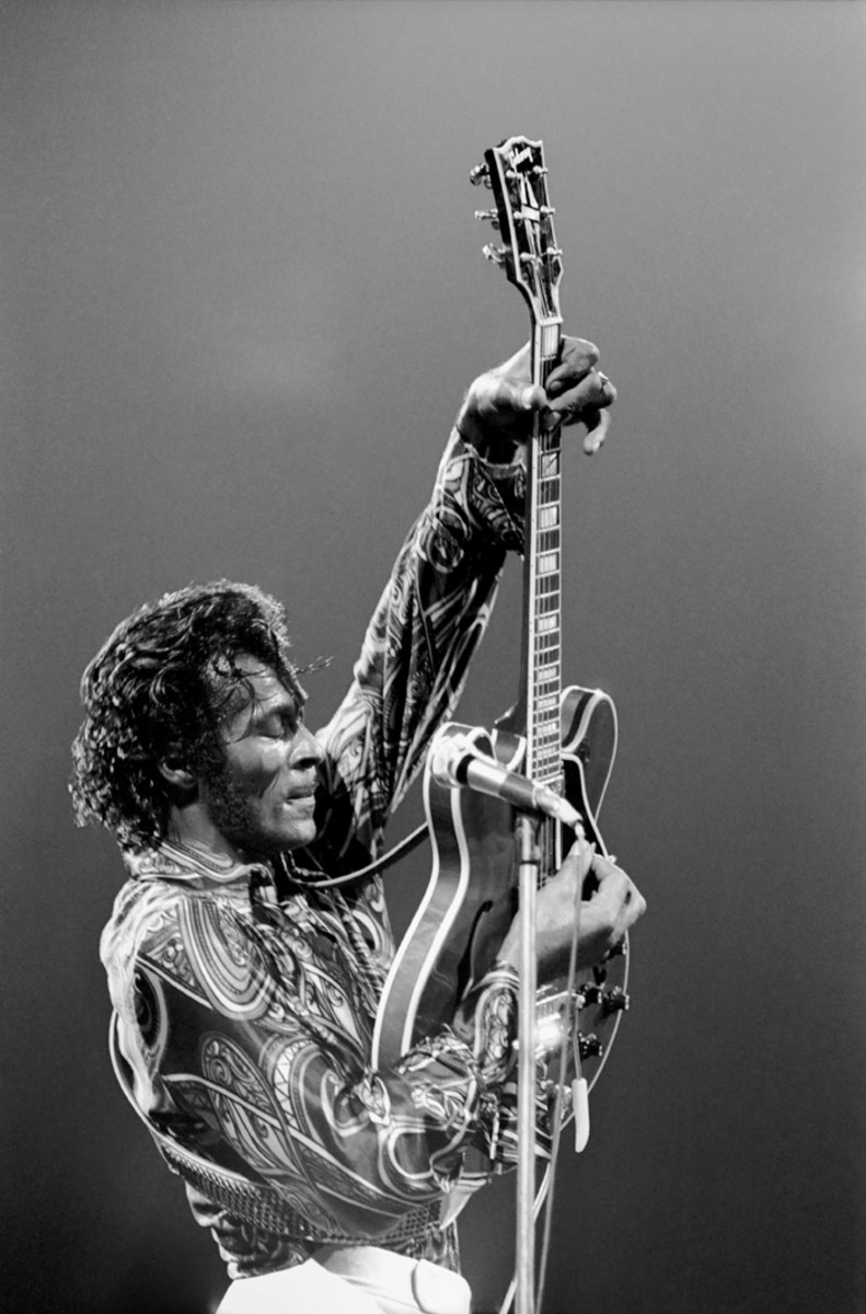 Chuck Berry performs live at Madison Square Garden on October 15, 1971 in New York City, New York. (Photo by Michael Ochs Archives/Getty Images)