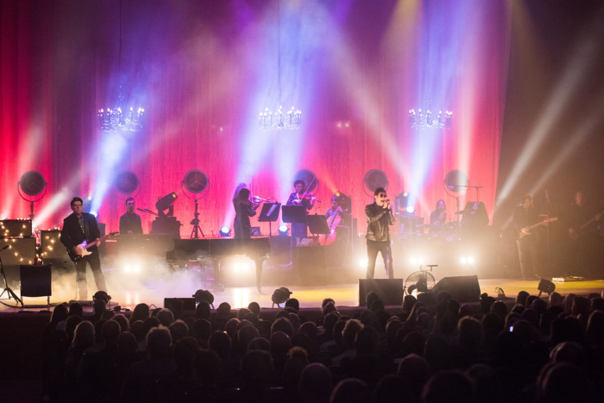Echo & The Bunnymen, shown here performing in Manchester, England in May of his year, brought their North American tour in support of their latest album The Stars, The Oceans & The Moon to New York City's Town Hall on Thanksgiving Eve, Wednesday, November 21st. (Photo by John Johnson)