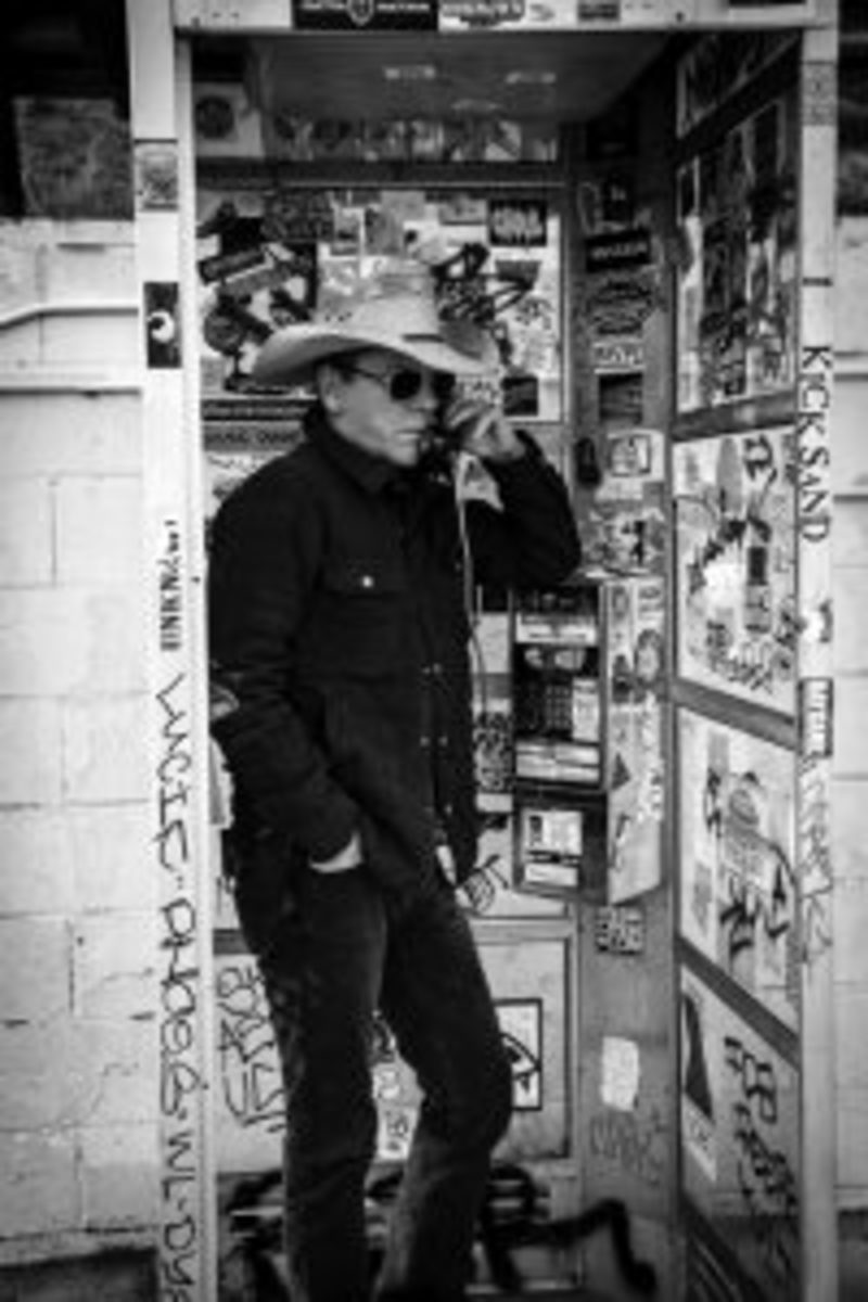 Kiefer Sutherland calling us from a phone booth? Nah. IT's just a promotional Photo by Beth Elliott