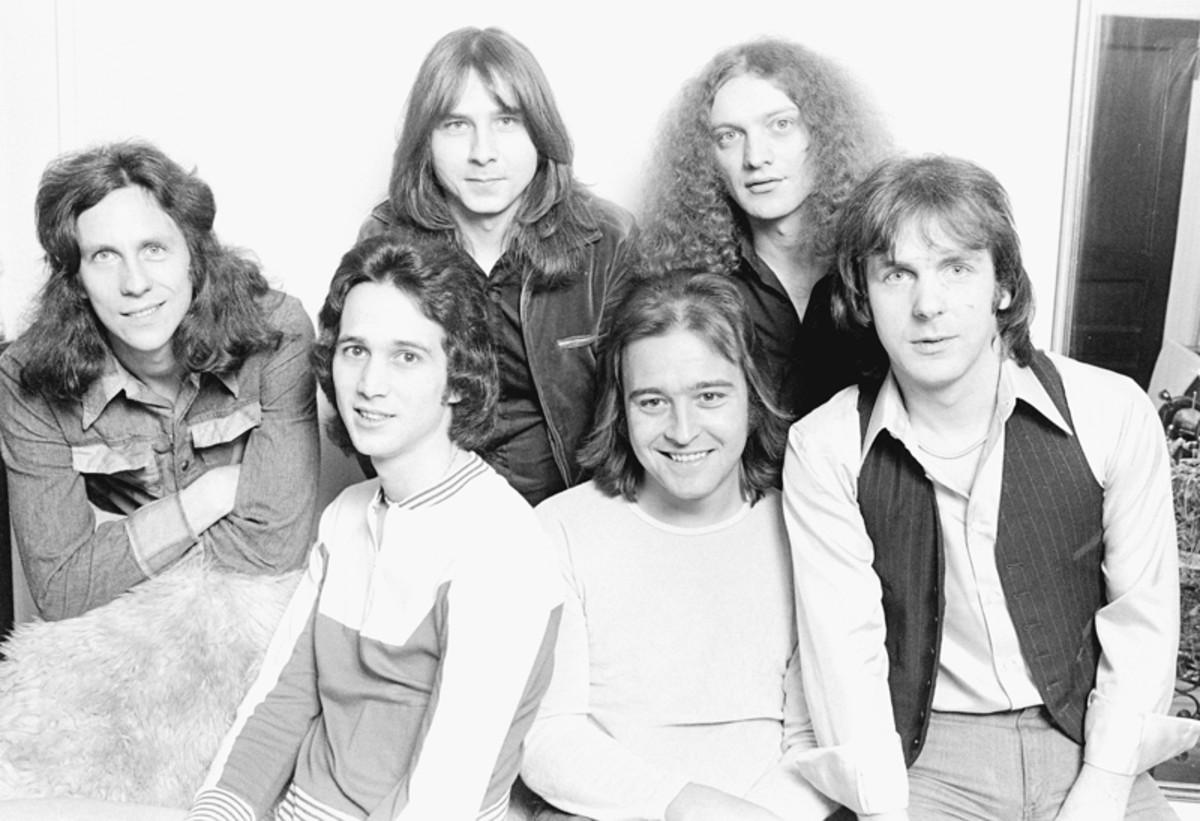 Foreigner group portrait, New York, February 7, 1977. L-R Dennis Elliott, Ed Gagliardi, Al Greenwood, Mick Jones, Lou Gramm, Ian McDonald. (Photo by Michael Putland/Getty Images)