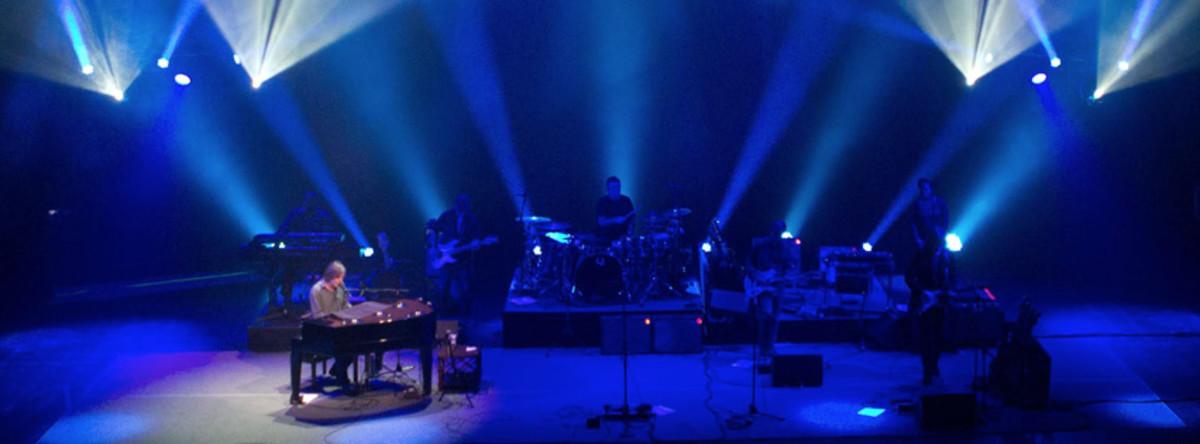 Jackson Browne, live (Image courtesy of www.facebook.com/OfficialJacksonBrowne)