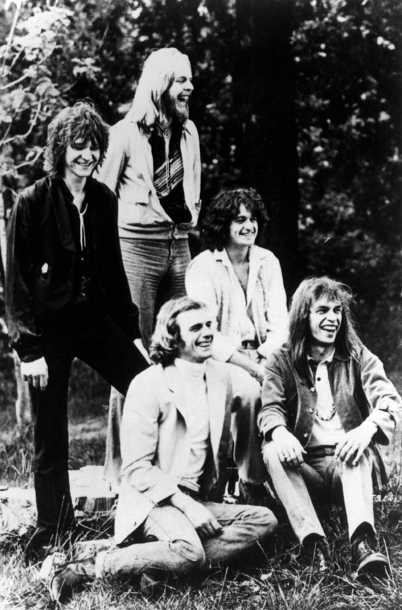 CLASSIC YES (Clockwise from left): Chris Squire, Rick Wakeman, Jon Anderson, Steve Howe and Alan White. (Photo by GAB Archive/Redferns)
