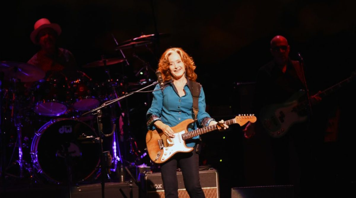 Bonnie Raitt in action Aug. 13 at the New Jersey Performing Arts Center in Newark, N.J. (Photo by Chris M. Junior)