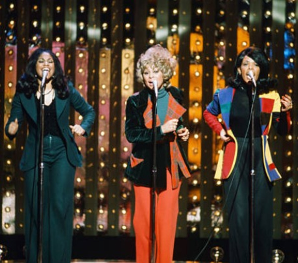 Edna Wright, center, left Shellie Clark, right Carolyn Willis, on NBC's The Midnight Special, photo by Fred Sabine, Getty Images