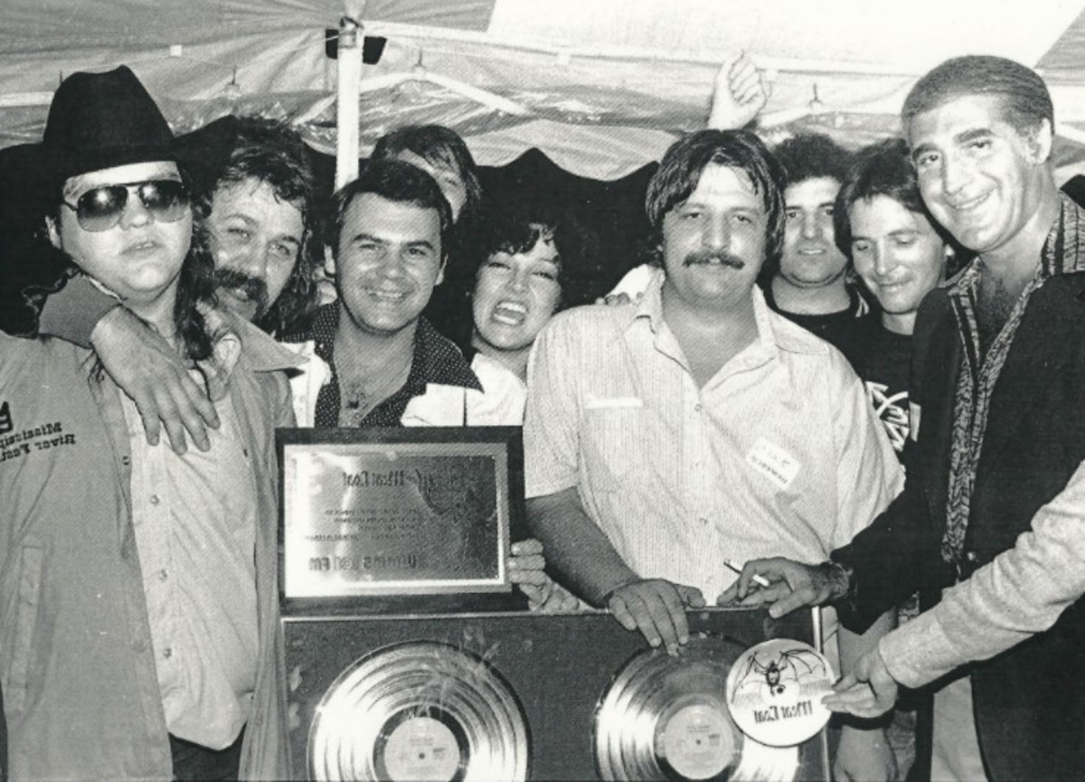 After the concert at Blossom Music Center, 1978. Steve Popovich in the center, moustache and white shirt, Karla DeVito behind him, Meat Loaf on the right, courtesy of Steve Popovich, Jr.