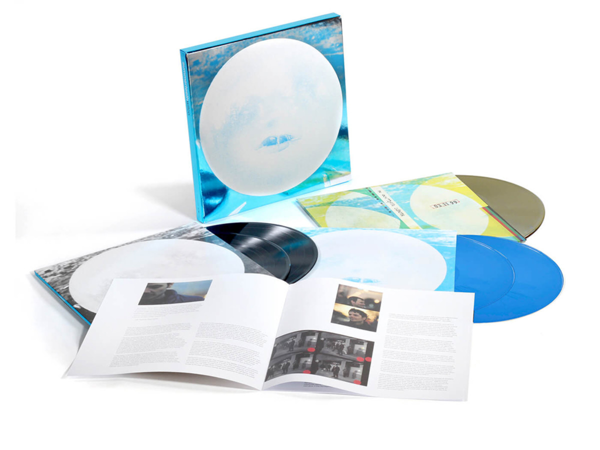 Limited to 6,000 copies, the 5-LP set of Summerteeth's Expanded Edition appends the original album with related studio outtakes, alternate versions, demos and a recording of a 1999 show.