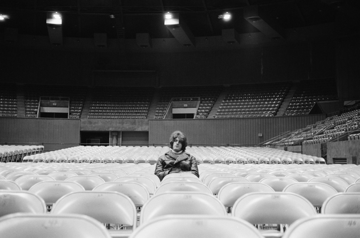 Tommy James before a concert at Ryder College, New Jersey, September 1968. (Photo by Don Paulsen/Michael Ochs Archives/Getty Images)