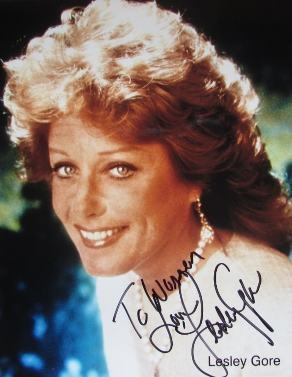 Gina Lesley autographed