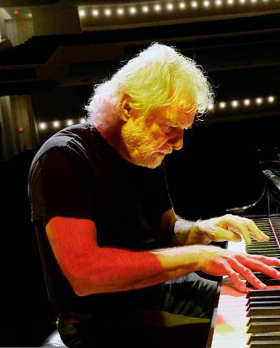 Chuck Leavell at the piano during the No Filter tour. Photo by R. Diamond/Getty Images.