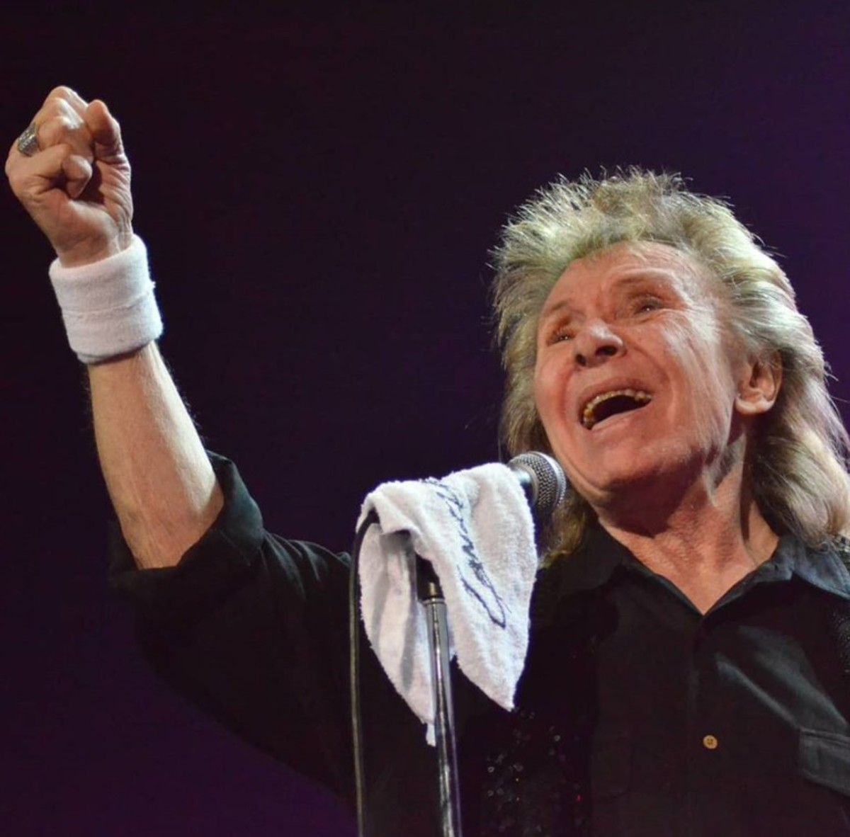Concert photo courtesy of Joel Diamond