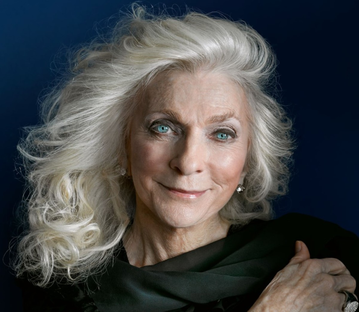 Current photo courtesy of judycollins.com
